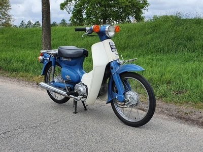 Verkocht! Honda C50 NT Japans, blauw, 6145 km