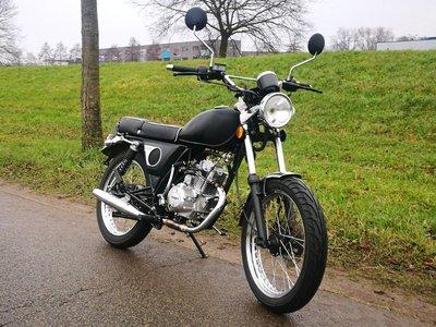 VERKOCHT! Mash Fifty zwart, 50cc, gebruikt (kan ook in rood geleverd worden)