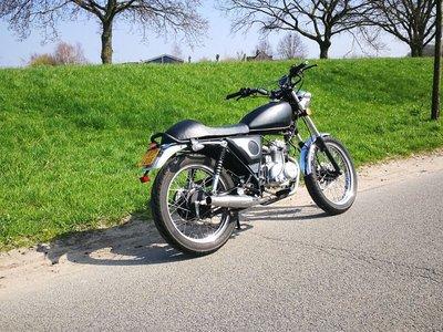 Mash Fifty zwart, 50cc, gebruikt (kan ook in rood geleverd worden)