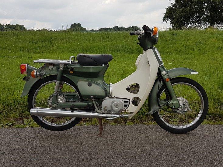 Honda-C70-Japans-(18)-groen,-Mooi,-rijklaar!-met-kenteken!-14134-km