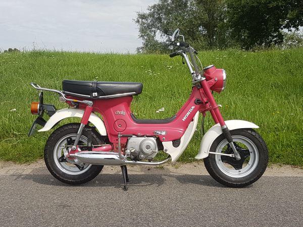 VERKOCHT-!-Honda-Chaly,-Roze,-4817km