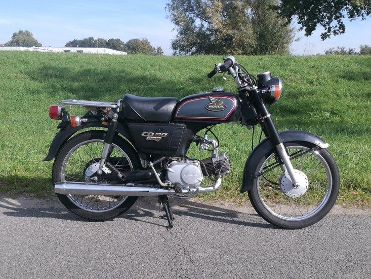 VERKOCHT-!-Honda-CD90-Benly,-90cc,-(1)