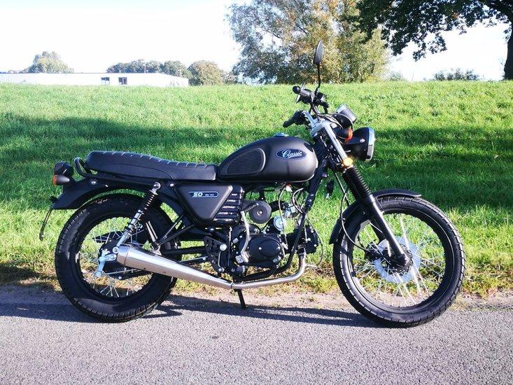 Skyteam-Classic,-50cc,-mat-zwart,-euro-4