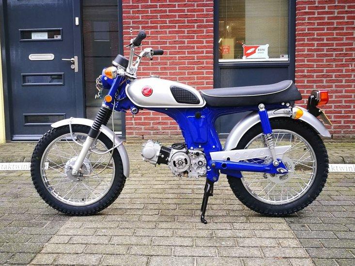 Honda-CL50-Japans-(25)-8511km,-MET-kenteken!